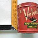 Cajas y cajitas metálicas: CAJA METAL TABACO VELVET (ITALIANO). Lote 60005847