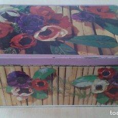 Cajas y cajitas metálicas: CAJA METAL -- COLA CAO -- ESTAMPADO FLORES -- AÑOS 70 -- BUEN ESTADO -- VER FOTOS --. Lote 62216908
