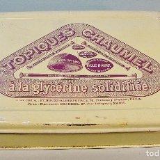Cajas y cajitas metálicas: TOPIQUES CHAUMEL A LA GLYCERINE SOLIDIFIÉE. CAJA HOJALATA LITOGRAFIADA. 17,5 X 25 CM. . Lote 62365116