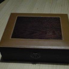 Cajas y cajitas metálicas: CAJA MADERA Y PIEL. Lote 62405332