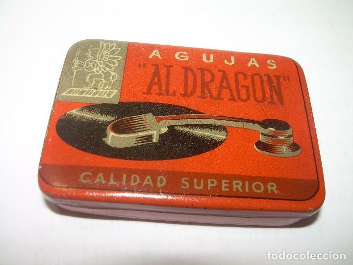 ANTIGUA CAJA PARA AGUJAS DE GRAMOFONO.....AL DRAGON.....PERFECTO ESTADO DE CONSERVACION. (Coleccionismo - Cajas y Cajitas Metálicas)