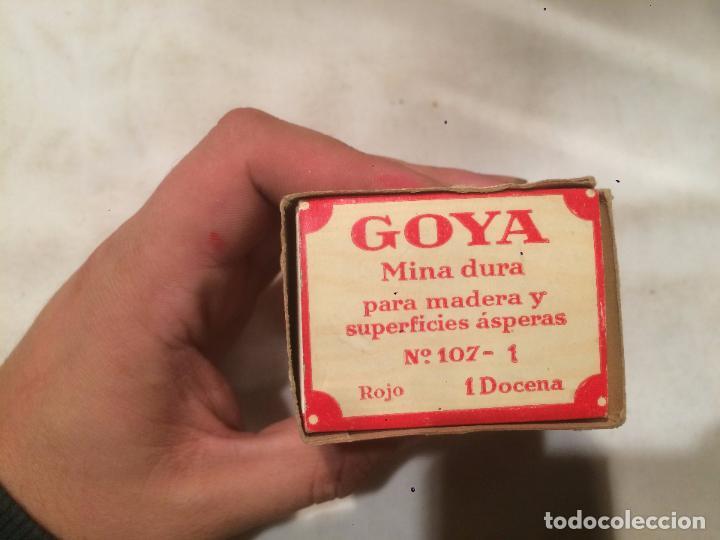Cajas y cajitas metálicas: Antigua caja de mina / minas marca Goya con contenido fabricado por Hassinger S.A. Barcelona - Foto 3 - 66932942