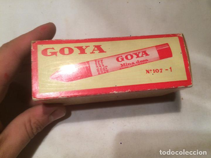 Cajas y cajitas metálicas: Antigua caja de mina / minas marca Goya con contenido fabricado por Hassinger S.A. Barcelona - Foto 5 - 66932942