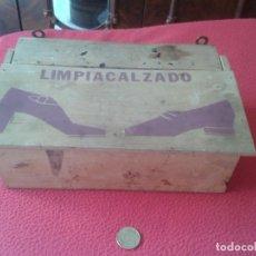 Cajas y cajitas metálicas: ANTIGUA CAJA DE MADERA LIMPIA CALZADO ZAPATOS. IDEAL DECORACION. ESCASA.OLD WOOD BOX SHOES. ZAPATO . Lote 68995533