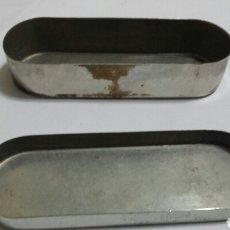 Cajas y cajitas metálicas: CAJA ANTIGUA DE ACERO INOXIDABLE PARA ESTERILIZAR JERINGAS O INSTRUMENTOS MÉDICOS. Lote 71087694