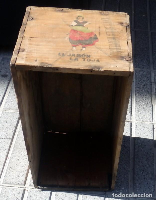 ANTIQUISIMA CAJA DE MADERA DE JABONES LA TOJA, CONSERVA DIBUJO ORIGINAL, ESPECTACULAR,55X31X30 CMS (Coleccionismo - Cajas y Cajitas Metálicas)