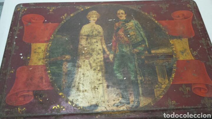 CAJA LATA ANTIGUA CON FOTO REYES ALFONSO XIII Y VICTORIA EUGENIA (Coleccionismo - Cajas y Cajitas Metálicas)