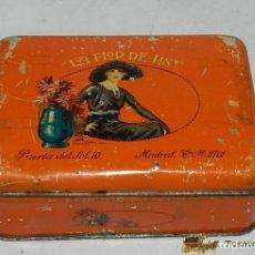 Cajas y cajitas metálicas: ANTIGUA CAJA DE HOJALATA LITOGRAFIADA CON PUBLICIDAD DE LA FLOR DE LIS, PUERTA DEL SOL 10 - ILUSTRAD. Lote 74522586