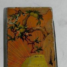 Cajas y cajitas metálicas: CAJA DE HOJALATA LITOGRAFIADA CON PUBLICIDAD EL GALLO. BADAJOZ, EMILIO ALBA. CIRAGES FRANCAIS, SANTA. Lote 74523103