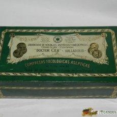 Cajas y cajitas metálicas: ANTIGUA CAJA DE HOJALATA DE PUBLICIDAD DE FARMACIA, LABORATORIO VENDAJES, DOCTOR CEA, VALLADOLID, PR. Lote 74524265