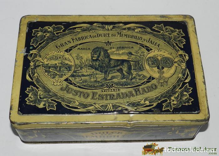 CAJA DE HOJALATA LITOGRAFIADA CON PUBLICIDAD DE JUSTO ESTRADA HARO - GRAN FABRICA DE DULCE DE MEMBRI (Coleccionismo - Cajas y Cajitas Metálicas)