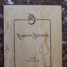 Cajas y cajitas metálicas: TABLA MADERA DE CAJA DE VINO. DECORACIÓN BAR, RESTAURANTE, BODEGA. RAMON BILBAO. 32X25,5. HARO. Lote 75020955