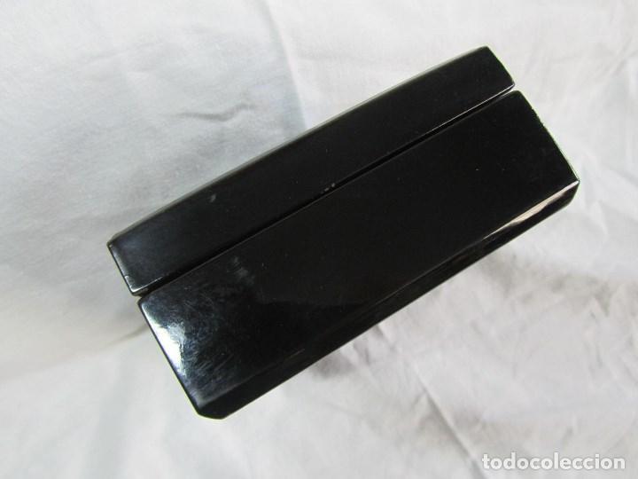 Cajas y cajitas metálicas: Caja de papel maché lacada con incrustaciones de nácar - Foto 10 - 75420223