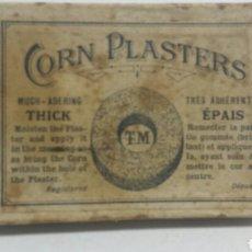 Cajas y cajitas metálicas: CAJA ANTIGUA DE FARMACIA CORN PLASTERS DE TM AÑOS 50. Lote 80259670