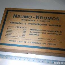 Cajas y cajitas metálicas: CAJA DE FARMACIA INYECTABLES NEUMO KROMOS CON COLESTERINA GOMENOL // LABORATORIOS MONTES BRU GRANADA. Lote 194640050