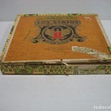 Cajas y cajitas metálicas: CAJA DE TABACO PUROS LOS STATOS DE LUXE. MARTÍNEZ HNO Y CÍA CUBA. MEDIDAS 17,5X15,5 CM. Lote 82382036