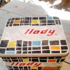 Cajas y cajitas metálicas: VIEJA CAJA METÁLICA LLODY,MURCIA,MEDIDAS 19X17X12,VER FOTOS. Lote 87132700