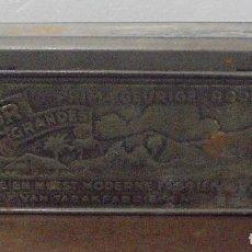 Cajas y cajitas metálicas: ANTIGUA CAJA DE TABACO TROQUELADA. MELIOR GRANDES. 19 X 12CM. VER FOTOS. Lote 88389432