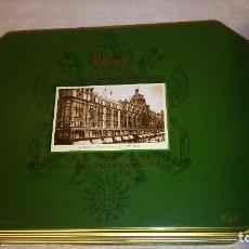 Cajas y cajitas metálicas: CAJA DE GALLETAS HARRODS HERITAGE 26 X 19 X 5 CMS CON IMAGEN Y ESCUDO. Lote 88905584