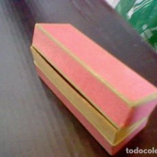 Cajas y cajitas metálicas: CAJITA FARMACIA PASTILLAS CARTON ANTIGUA AÑOS 50 APROX *. Lote 93599645