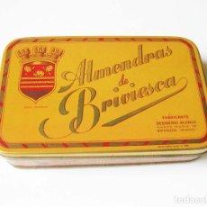 Cajas y cajitas metálicas: CAJA DE LATA DE ALMENDRAS DE BRIVIESCA - FABRICA DE DESIDERIO ALONSO - INDUSTRIAS METÁLICAS VIZCINAS. Lote 93619180
