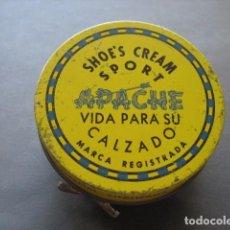 Cajas y cajitas metálicas: APACHE. LATA CREMA PARA EL CALZADO. BETUN, ZAPATO, ZAPATOS. Lote 94460350