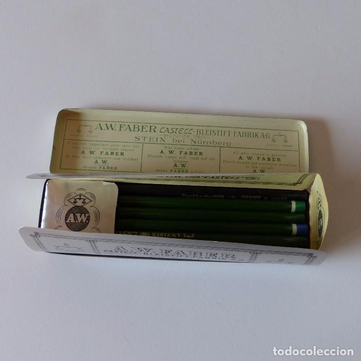 Cajas y cajitas metálicas: Cajita de chapa de Faber Castell. Contiene los lapizes sin usar en su interior. Alemania 1950 - Foto 3 - 94593939