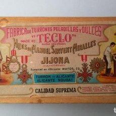 Cajas y cajitas metálicas: ANTIGUA CAJA MADERA. FABRICA PELADILLAS Y DULCES TECLO, JIJONA.TURRÓN ALICANTE. HIJOS MANUEL SIRVENT. Lote 95059555