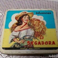Cajas y cajitas metálicas: CAJA HOJALATA INFUSIONES LA SEGADORA . JESÚS CUEVAS ALARCÓN. Lote 95209335