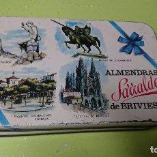 Cajas y cajitas metálicas: ANTIGUA CAJA METÁLICA ALMENDRAS SARRALDE DE BRIVIESCA - BURGOS . Lote 95534391