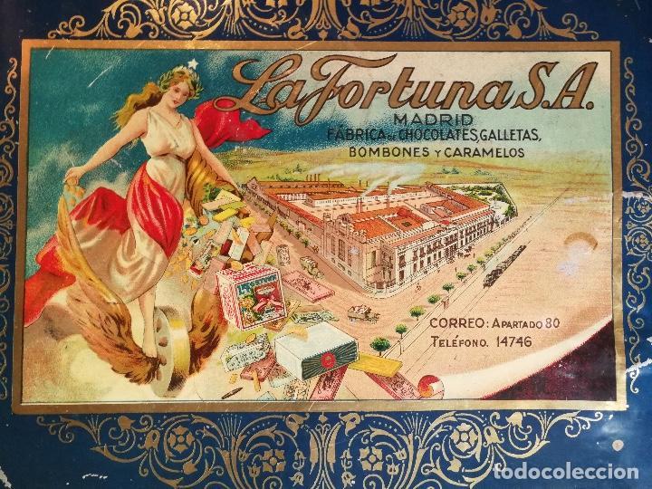 Cajas y cajitas metálicas: ANTIGUA CAJA HOJALATA - LA FORTUNA - FABRICA DE CHOCOLATES GALLETAS BOMBONES Y CARAMELOS DE MADRID - Foto 3 - 96035331