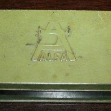 Cajas y cajitas metálicas: CAJA METÁLICA MÁQUINAS DE COSER ALFA - 21X7.5X4 CM.. Lote 97720607