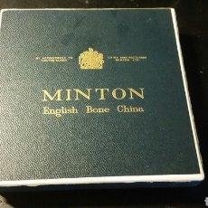 Cajas y cajitas metálicas: ESTUCHE PORCELANA MINTON CAJITA 12 X 12 CMS AÑOS 70. Lote 98478060