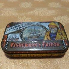 Cajas y cajitas metálicas: ANTIGUA CAJITA FISHERMAN'S FRIEND. Lote 101210891