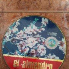 Cajas y cajitas metálicas: CAJA METÁLICA ALMENDRO TORTAS IMPERIALES .ESTADO BUENO. Lote 103383915