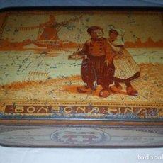 Cajas y cajitas metálicas: CAJA HOJALATA - BOMBONES LA SUIZA. Lote 105301475