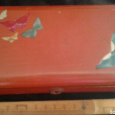 Cajas y cajitas metálicas: ANTIGUA CAJA LACADA CHINA PINTADA A MANO. Lote 105713726