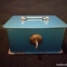 Cajas y cajitas metálicas: ANTIGUA CAJA FUERTE DE CAUDALES SEGURIDAD JOMA JUMA. Lote 105772519