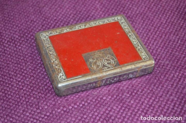 Cajas y cajitas metálicas: VINTAGE - LOTE DOS CAJAS / CAJITAS METÁLICAS ANTIGUAS - ELASTOPLAST Y A LA MARQUISE DE SEVIGNE PARIS - Foto 2 - 193231891