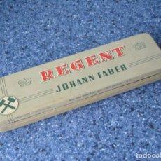 Cajas y cajitas metálicas: CAJA DE LAPICEROS REGENT (JOHANN FABER) - AÑOS 50 - ESPECTACULAR. Lote 107762219