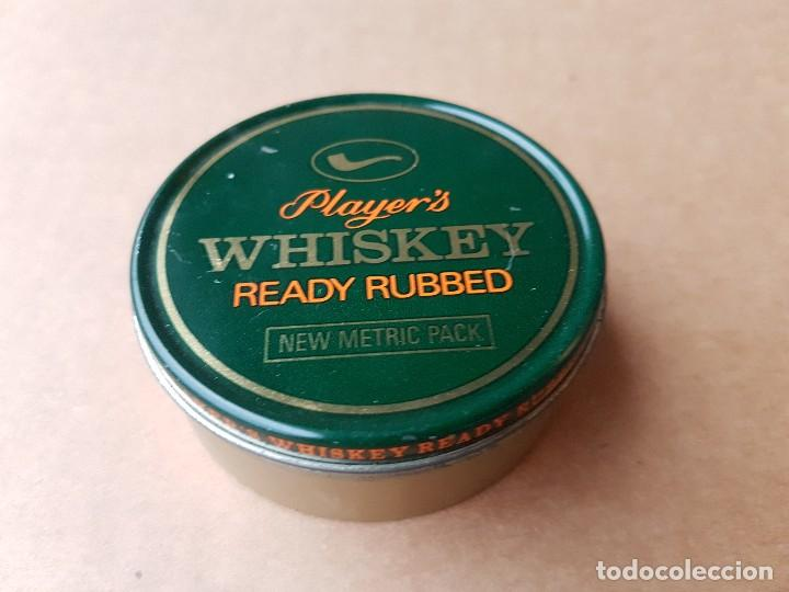 Cajas y cajitas metálicas: Dos latas tabaco pipa, Capstan y Player's Whiskey ready rubbed, años 1970s. Ambas vacías - Foto 2 - 108392963