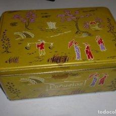 Cajas y cajitas metálicas: UN CLÁSICO DE COLA-CAO (PAÑUELOS). Lote 109051943
