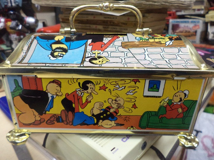 Cajas y cajitas metálicas: Hucha de hojalata serigrafiada con Popeye y amigos.King Features INC.1983. - Foto 5 - 109097499