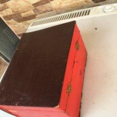 Cajas y cajitas metálicas: CAJA COFRE CON FORMA DE LIBRO. Lote 109375283