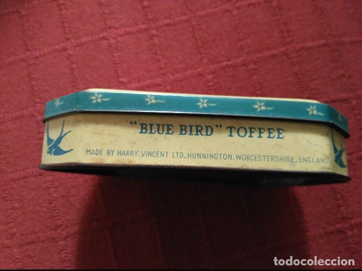 Cajas y cajitas metálicas: antigua caja de lata toffee blue bird england - Foto 2 - 110124879