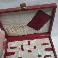 Cajas y cajitas metálicas: ANTIGUA CAJA COSTURERO CAJA DE COSTURA. Lote 110579679