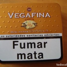 Cajas y cajitas metálicas: CAJA METALICA TABACO VEGAFINA. Lote 111033995