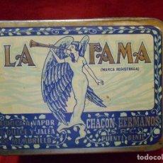 Cajas y cajitas metálicas: ANTIGUA CAJA DE HOJALATA DULCE DE MEMBRILLO - LA FAMA - SUCESOR DE CHACON HERMANOS - PUENTE GENIL-. Lote 111237343