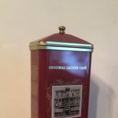 Boîtes et petites boîtes métalliques: PRECIOSA CAJA DE LATA DE CAFÉ DEL HOTEL SACHER DE VIENA. Lote 111489883