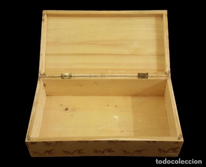 Cajas y cajitas metálicas: Caja de madera, vda de Solano, Logroño, única en todocolección. - Foto 2 - 111967119